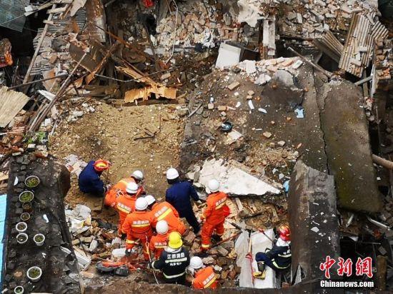 南昌一房屋坍塌事故:四名被困人员全被救出