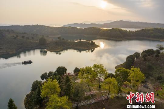 """春日俯瞰江西""""千岛湖""""庐山西海:风景如画"""